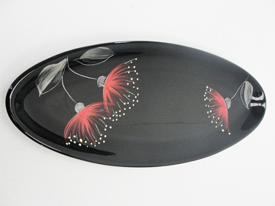 keriblue-ceramics-garlic-bread-plate-pohutukawa-black