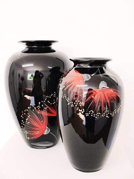 keriblue-ceramics-lima-vase-medium-pohutukawa-black